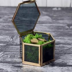 Szklane pudełko na obrączki z mchem
