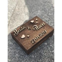 Drewniane pudełko z życzeniami na pieniądze