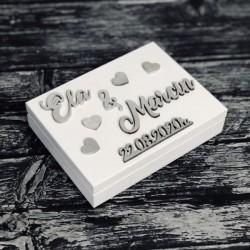 Drewniane pudełko z życzeniami na pieniądze białe
