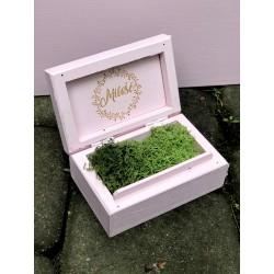 Drewniane pudełko na obrączki łososiowy róż