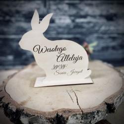 Drewniany zajączek wielkanocny z życzeniami