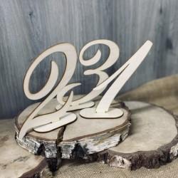 Drewniany numerek na stół naturalny 1 szt.