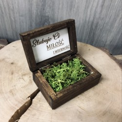 Drewniane pudełko na obrączki olejowane- mech
