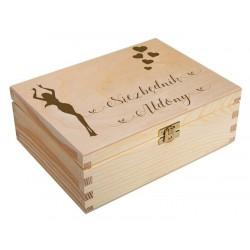 Drewniane pudełko niezbędnik z grawerem na prezent urodziny